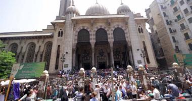فيديو .. شاهد عيان من داخل مسجد الفتح
