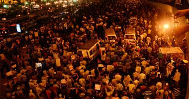 فيديو .. مظاهرات حاشدة أثناء حظر التجوال في الإسكندرية