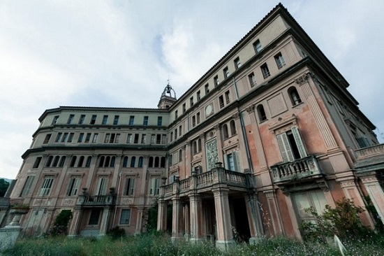بالصور أروع المباني في العالم التي هجرها أصحابها