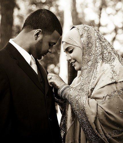الزوجة اللحوحة اللتي لا تكترث باختيار الظرف والوقت المناسب لتطلب منه أي طلب