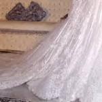 لا بأس في أن تلبس المرأة فستان الزفاف الأبيض لكن بشرط