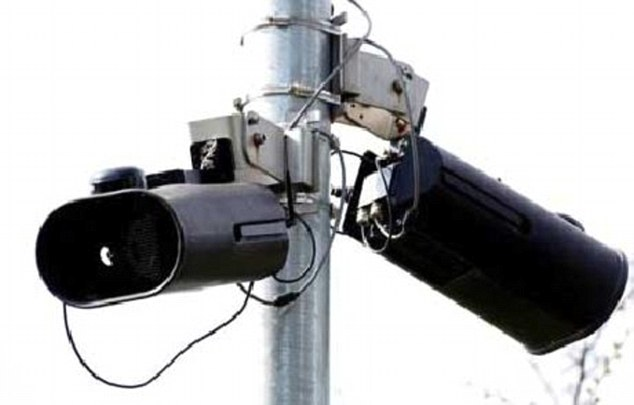 بالصور 20 نوعاً من الكاميرات في بريطانية تراقب الطرق